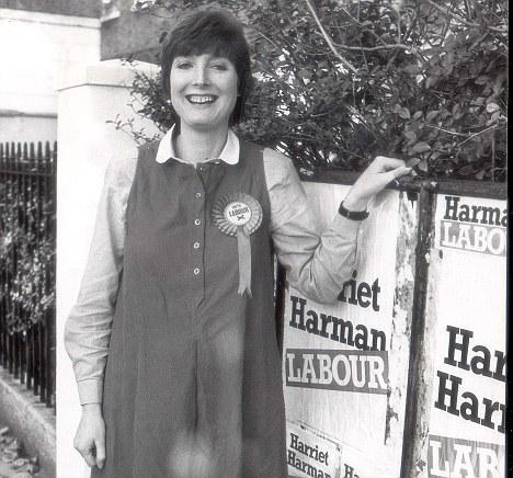 PKT4316-323146HARRIET HARMAN - POLITICIANS  1982  Harriet Harman Peckham