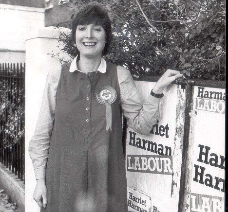 PKT4316-323146HARRIET HARMAN - POLITICIANS  1982  Harriet Harman Peckham